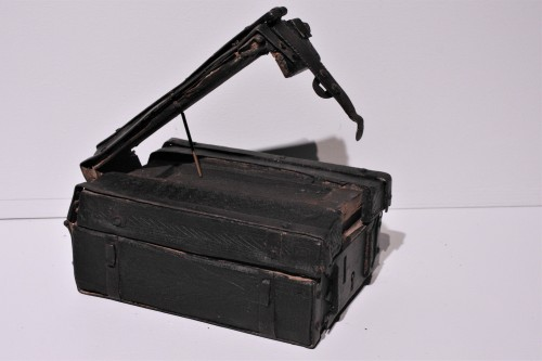 Antiquités - A French 15th c. leather and iron banded casket
