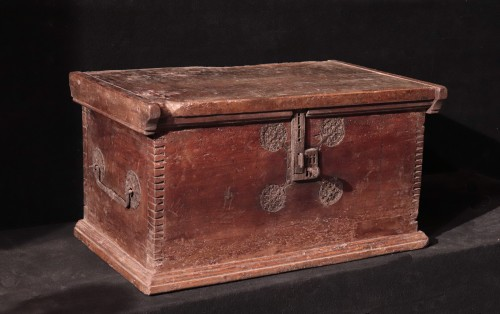 Gothic Cassone Chest, Veneto 15th Century - Furniture Style Middle age