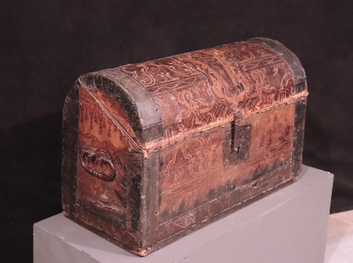 Objects of Vertu  - Leather Travel chest, Central Italy, 17th Century