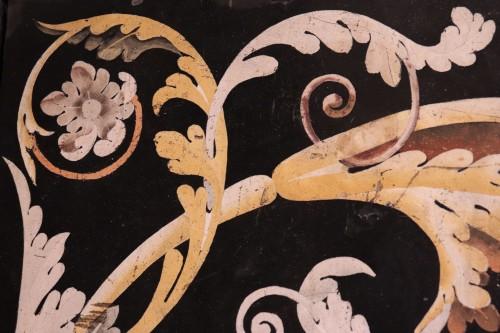 Antiquités - Polychrome scagliola's Table, Italy (Carpi) 17th century