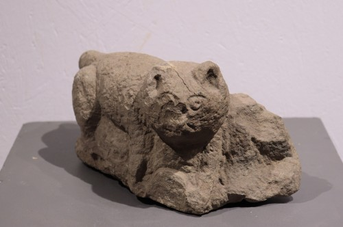 "Stone sculpture ""Feline animal"", 15th century -"