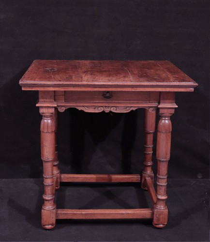 Walnut Table, Florence, 16th Century - Furniture Style Renaissance