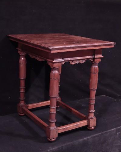 <= 16th century - Walnut Table, Florence, 16th Century