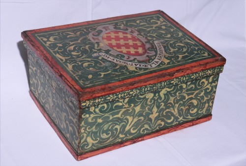 Lacquered box, Tuscany 17th century -