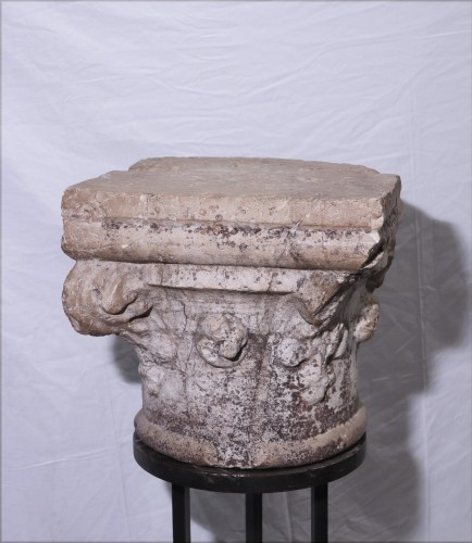 Stone Capital, Venice, 15th Century - Sculpture Style Middle age