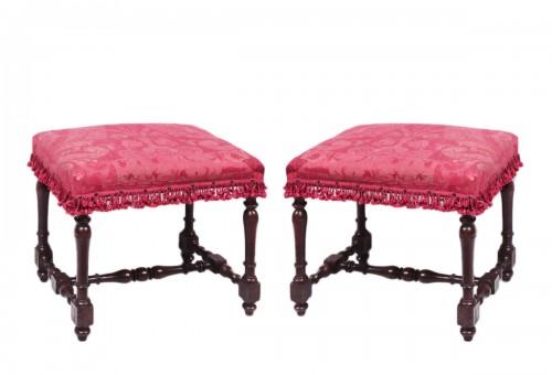 Pair of walnut stools, Tuscany 18th Century