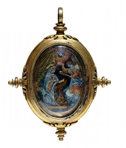 16th cent. verre eglomise devotional pendant depicting the Annunciation