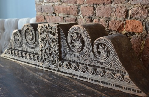 18th century - A large wooden Moorish Architectural Element