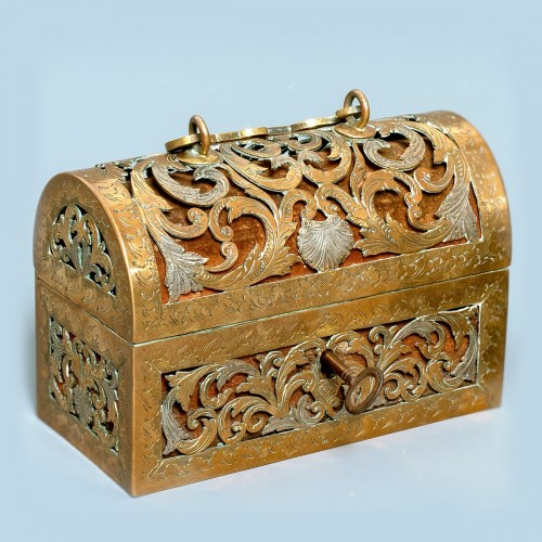 An exquisite silvered brass French coffret of the 17th century - Renaissance