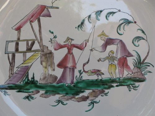 """Dish """"aux chinois"""" Moustiers - XVIIIth century - Porcelain & Faience Style Louis XV"""