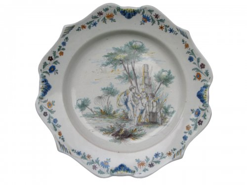 A 18th century faience dish, attributed to  LA TOUR D'AIGUES