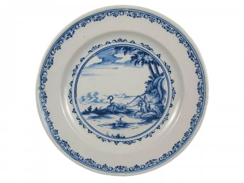 Early 18th century French Moustiers faience plate