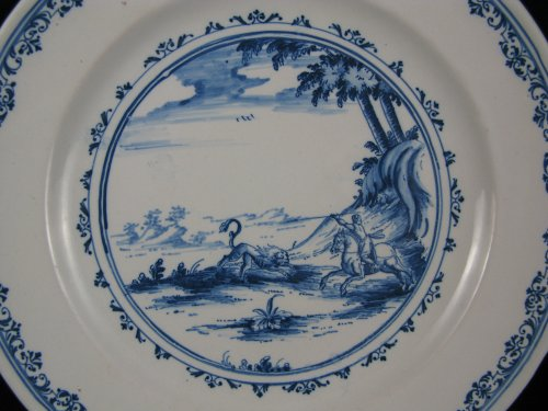 Early 18th century French Moustiers faience plate - Porcelain & Faience Style Louis XIV