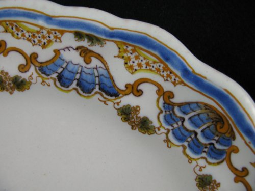 Plate in faience of Lyon, 18th century -