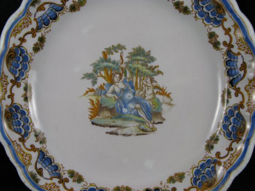 18th century - Plate in faience of Lyon, 18th century