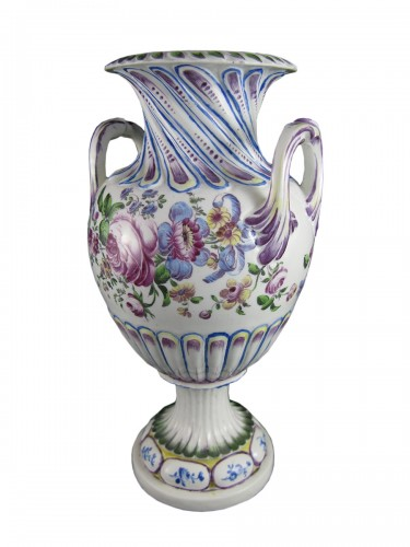 Grand vase en porcelaine de Mennecy – XVIIIe siècle
