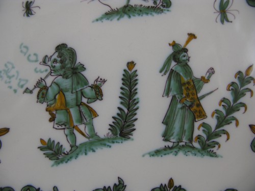 "Porcelain & Faience  - 18th century Moustiers ""decor with grotesques"" plate"