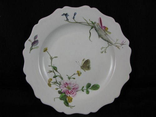 """Louis XV - Plate with """"Fish"""" decoration in 18th century Marseille earthenware."""