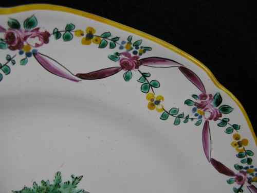 Porcelain & Faience  - 18th century Moustiers earthenware plate