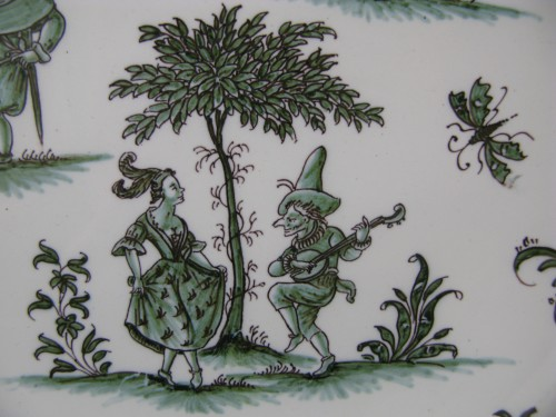 """18th century - Plate decorated """"with grotesques"""" in earthenware of Moustiers 18th century"""