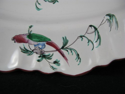 18th century - Large 18th century Moustiers faïence dish