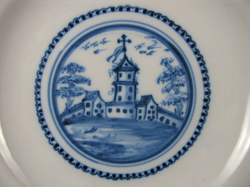 18th century Varages faïence soup plate - Porcelain & Faience Style Louis XVI