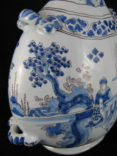 Nevers faïence bottle gourd, late 17th century - Porcelain & Faience Style Louis XIV