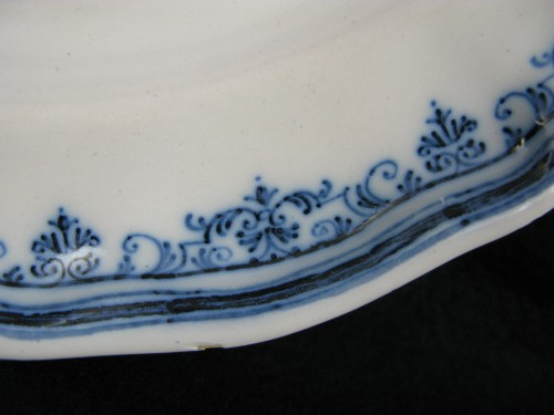Porcelain & Faience  - Earthenware plate of Moustiers- 18th century