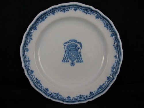 18th century - Earthenware plate of Moustiers- 18th century