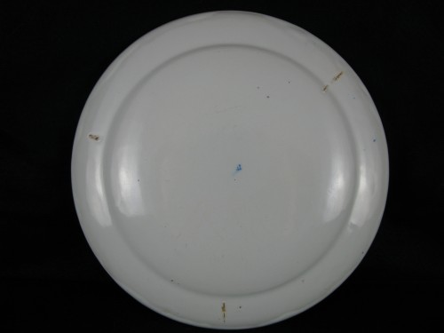 Porcelain & Faience  - Armorial plate in earthenware from Moustiers - 18th century