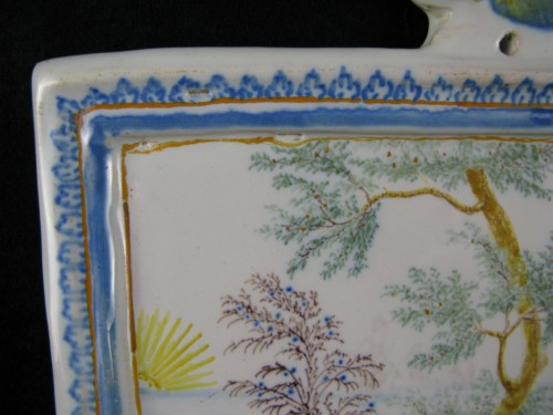 18th century - Decorative plate in Moustiers earthenware - 18th century