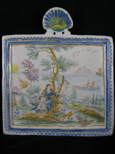Louis XVI - Decorative plate in Moustiers earthenware - 18th century