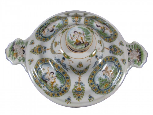 Moustiers faience bouillon ecuelle - 18th century