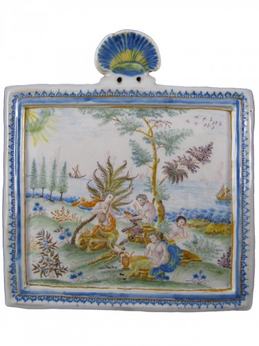 Decorative plate in Moustiers earthenware - 18th century