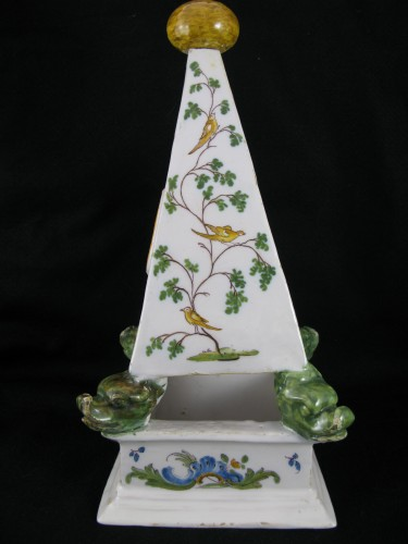 Porcelain & Faience  - Large 18th century Moustiers earthenware watch holder