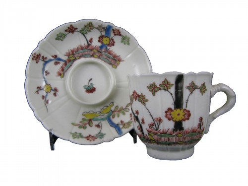 Saint-Cloud porcelain cup and saucer - 18th century