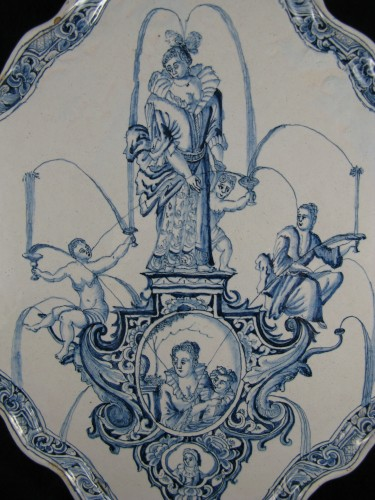 Large decorative plate in Delft earthenware - 18th century - Porcelain & Faience Style Louis XIV