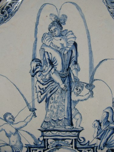 Porcelain & Faience  - Large decorative plate in Delft earthenware - 18th century