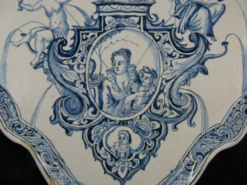 Large decorative plate in Delft earthenware - 18th century -