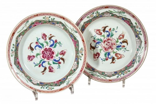 Pair of china plates, 18th century