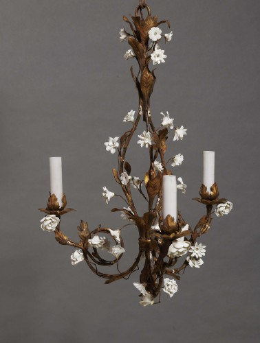 Lighting  - Pair of small chandeliers, late 19th century