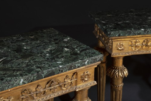 Furniture  - Pair of late 18th century  Genoese Consoles