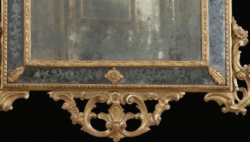 Venetian gilt wood mirror from the mid-eighteenth century - Mirrors, Trumeau Style Louis XV