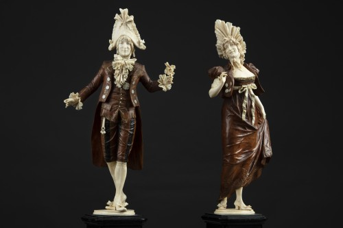 19th century - Pair of 19th century ivory and wood sculptures