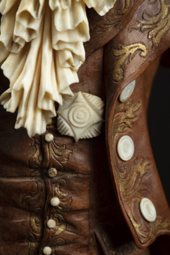 Antiquités - Pair of 19th century ivory and wood sculptures