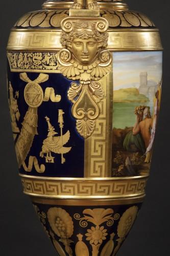 Porcelain & Faience  - Monumental porcelain vase