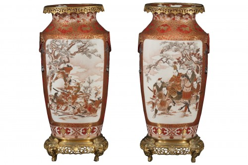 Pair of Japanese porcelain vases from the Meiji period