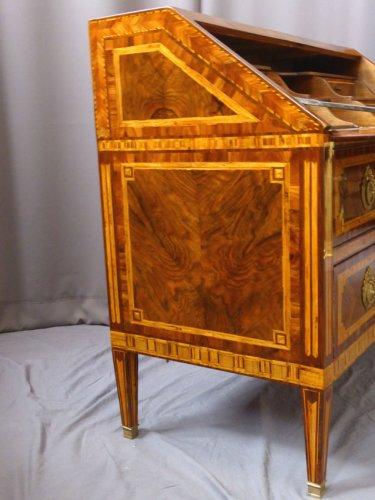 Antiquités - A Louis XVI Bureau de pente  - 18th century