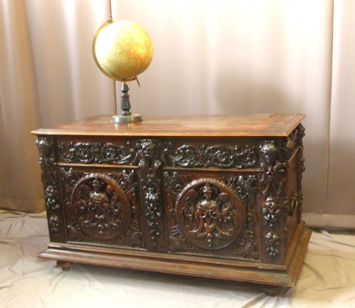 Large wedding chest of the late XVIIth century