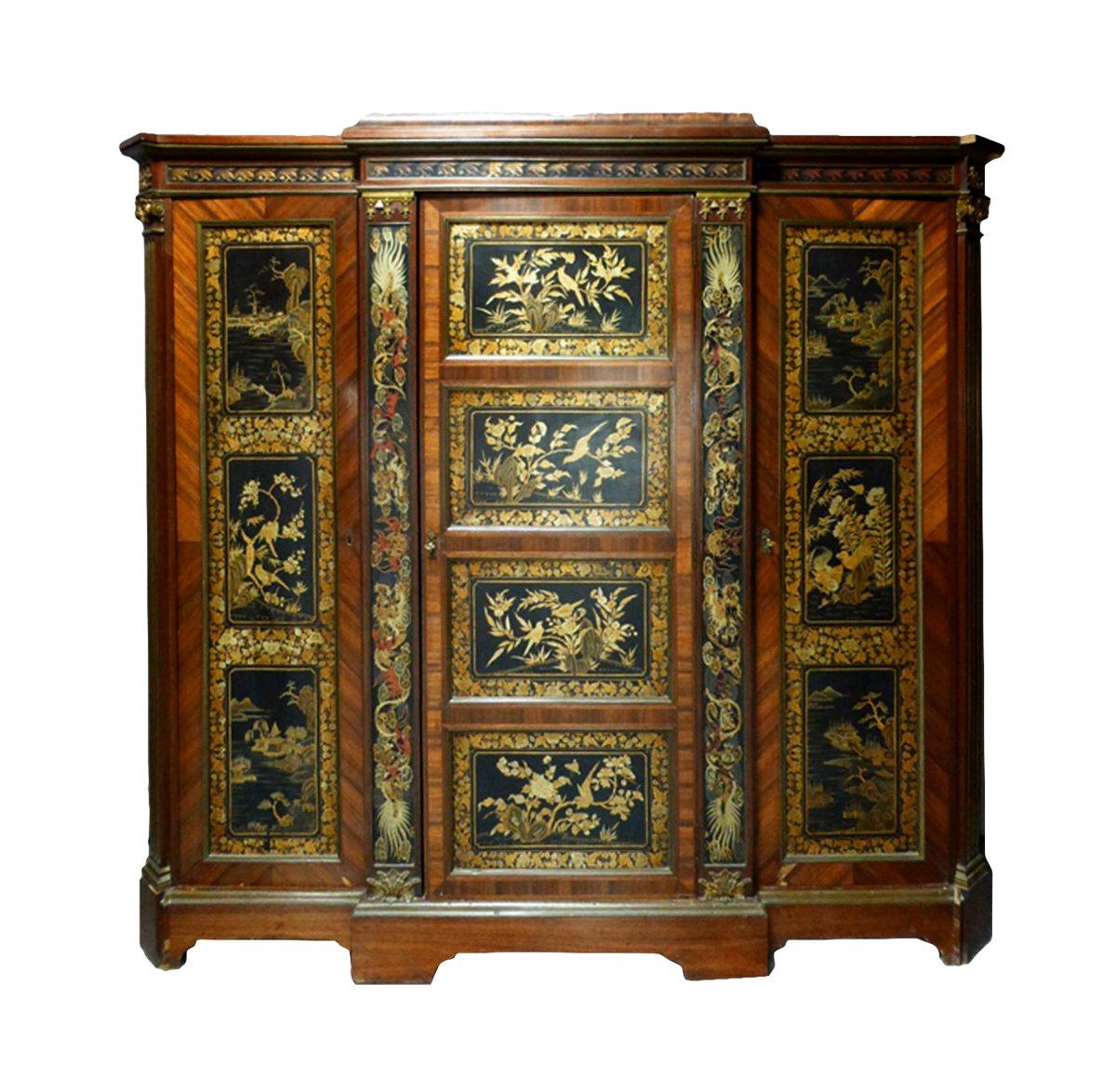 armoire trois portes en laque de chine fin xixe si cle n. Black Bedroom Furniture Sets. Home Design Ideas